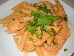 Chicken and Penne With Vodka Sauce (Weight Watchers Points Plus Friendly!) - Moms Need To Know ™