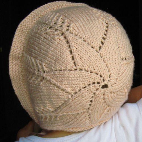 Tutorial: Star crown baby bonnet by Debajo un botón...