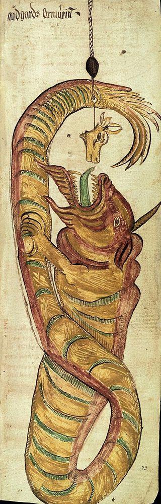 """Jörmungandr mordant à l'appât, lors de """"La partie de pêche de Thor"""" - Jörmungandr est un monstre marin, gigantesque serpent de mer. Selon l'Edda de Snorri, Il est le fils du dieu Loki & de la géante Angrboda, et le frère du loup Fenrir & de Hel la déesse du monde des morts - """"AM 738 4to"""" ou """"Edda oblongata"""" est un manuscrit islandais daté d'environ 1680. Il contient 13 pages avec 23 illustrations de la mythologie nordique. Il est aujourd'hui à la charge de l'Institut Árni Magnússon, à…"""