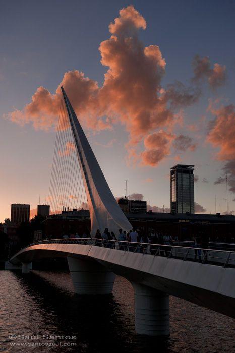Saul Santos Diaz - photographer,Puente de la Mujer, Puerto Madero, Buenos Aires. Argentina
