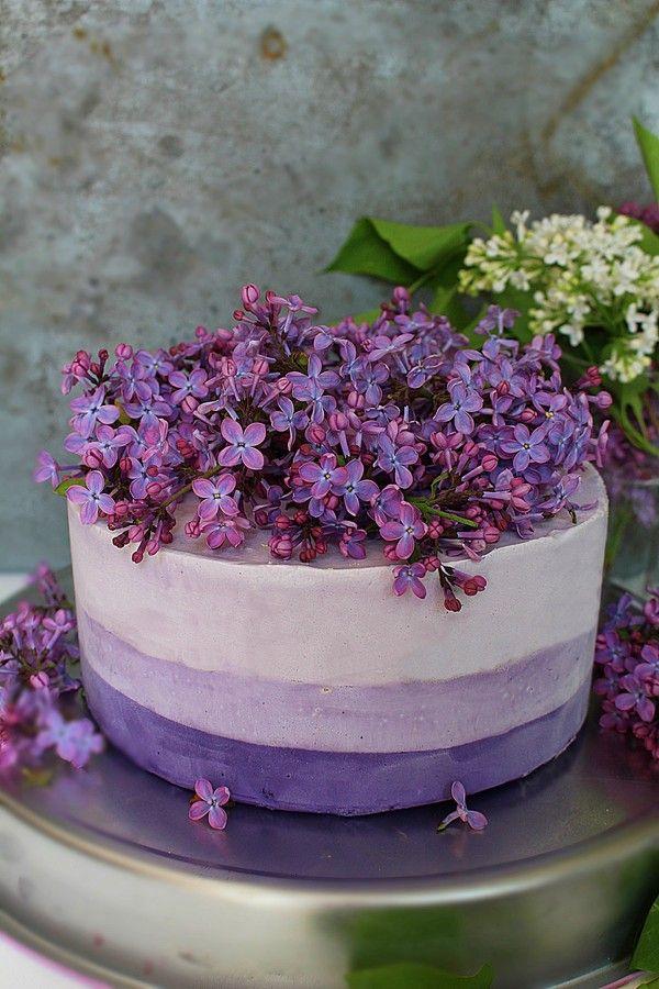Ombre icecream cake - Blåbär och björnbärsglass