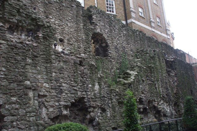 Roman wall, City of London, EC3        Tucked behind a hotel, between Fenchurch Street station and   Tower Hill underground station is a section of Roman wall.  Another little hidden treasure in the City.  This chunk is about 18/20 feet tall by about 50 yards long,  close to The Tower of London.