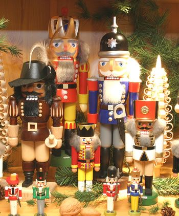 Erzgebirge Christmas ornaments