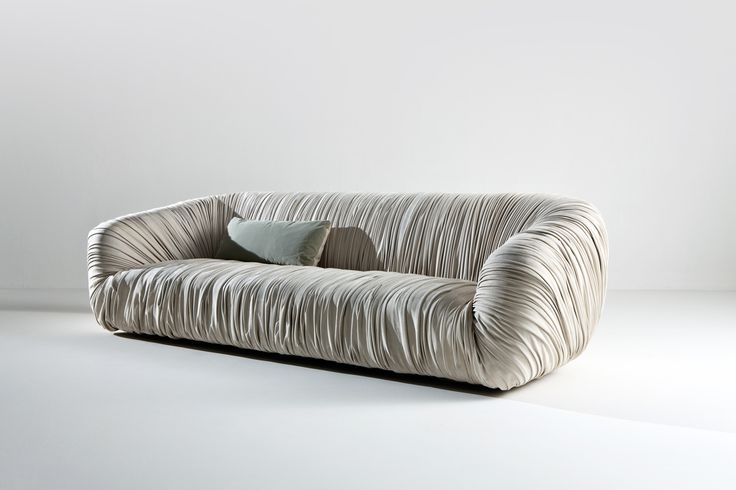 Drapé Sofa - A new elegant solution  designed by Bartoli Design for the most demanding clients, looking for a sofa in which sophistication is the key feature. | Laurameroni
