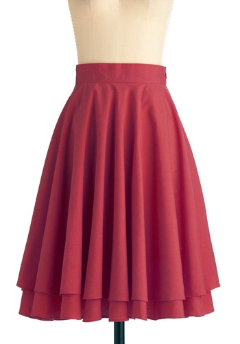 Essential Elegance Skirt in Burgundy
