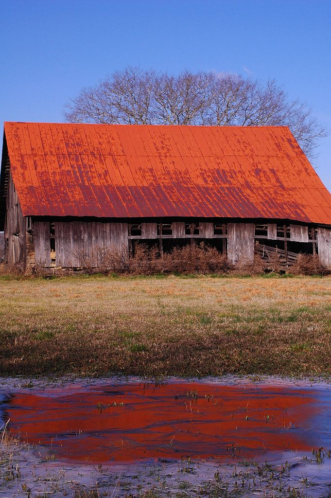 An old weathered Jackson County barn in northern Alabama.