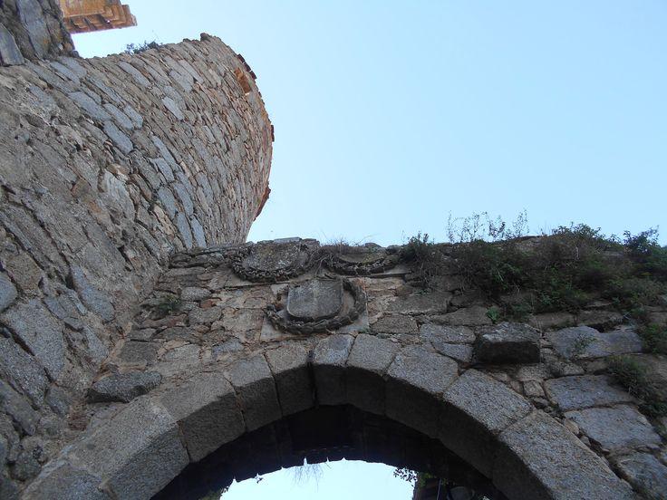 Blason sobre puerta de San Ginés