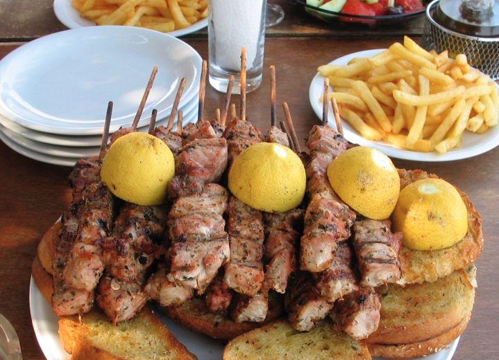 Souvlaki #Greece #Greek #Grekland #grekisk #matkultur #mat #kultur #Souvlaki #grillspett #travel #vacation #semester #resa #Kalamata