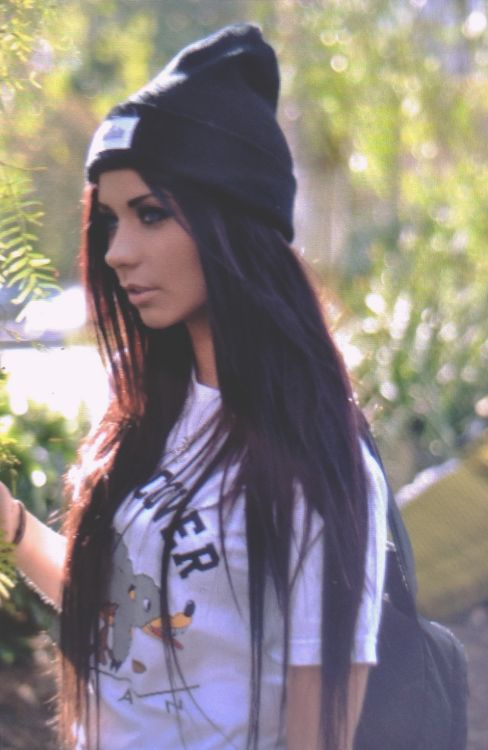 tumblr-girl-with-brown-hair-and-blue-eyesbeanie-beautiful ...