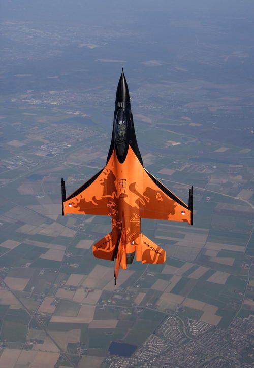 Royal Netherlands Air Force | Lockheed Martin (General Dynamics) F-16AM Fighting Falcon | J-015 | RNLAF F-16 Demo Team
