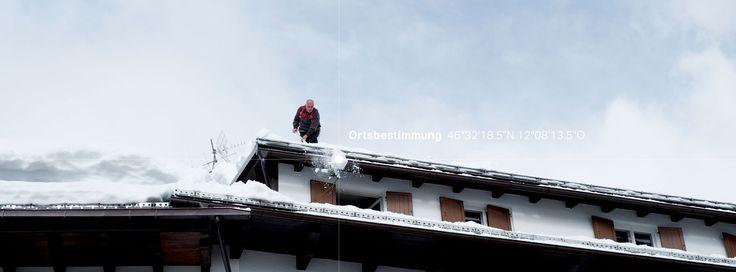 27/53 auch in Norditalien gibt es Schnee - Achtung Dachlawinengefahr!  https://readymag.com/wienfreiland.cc/ortsbestimmung/4/  Texte: Julia Warner und Bellycapelli Scharl Photo: Schreyer David Bildkunst Plattform: Readymag — – hier: Cortina d' Ampezzo (BL).