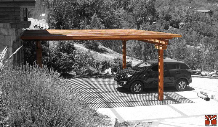Nativo Redwood. Estacionamiento en casa de Cajón del Maipo, con estructura de maderas nativas en roble rústico con pilares dibujados con sopandas, vigas con punta de can dibujadas. www.nativoredwood.com contacto@nativoredwood.com