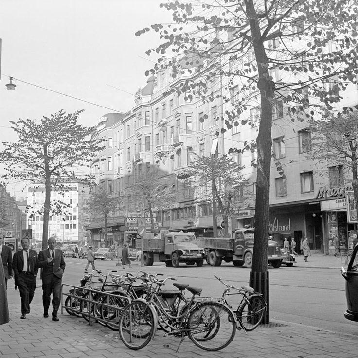 Stureplan 2 t.v. och Birger Jarlsgatan 18 och 16 t.h.