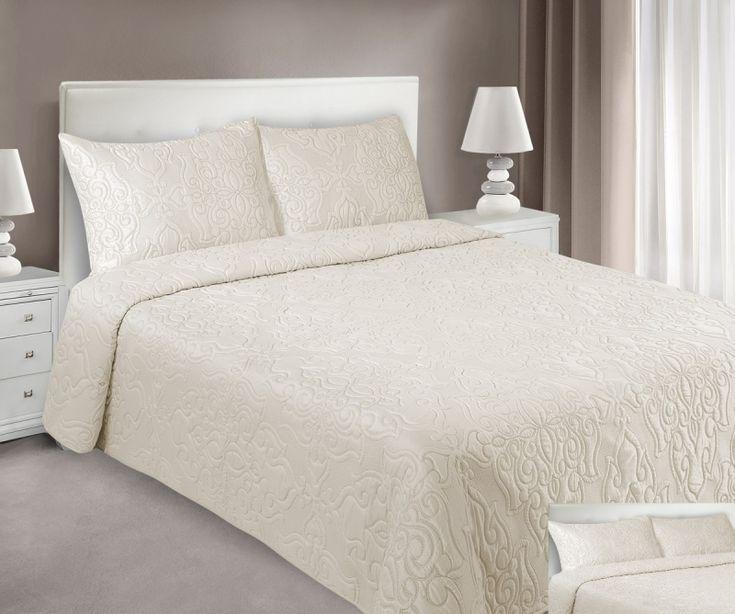 Kvalitní béžové přehozy na postel