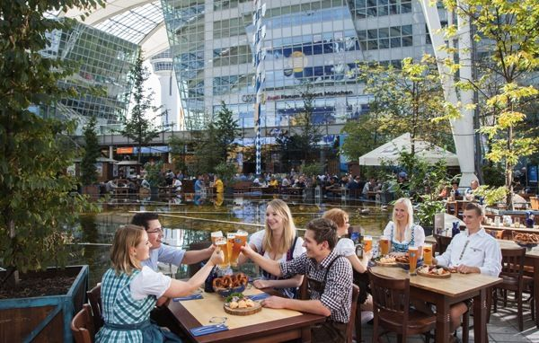 Oktoberfest facts, numbers, stats for 2016 - 2017 in Munich, around the world. Food and beer consumed, visitors, interesting for game of Oktoberfest trivia.