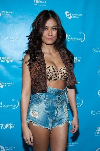 Agnes monica in grammy week 2013!