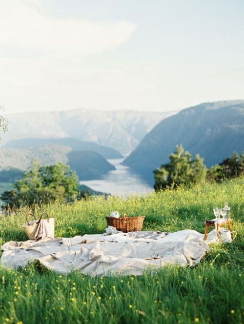 well this would be dream picnic location...  Erich McVey Photography
