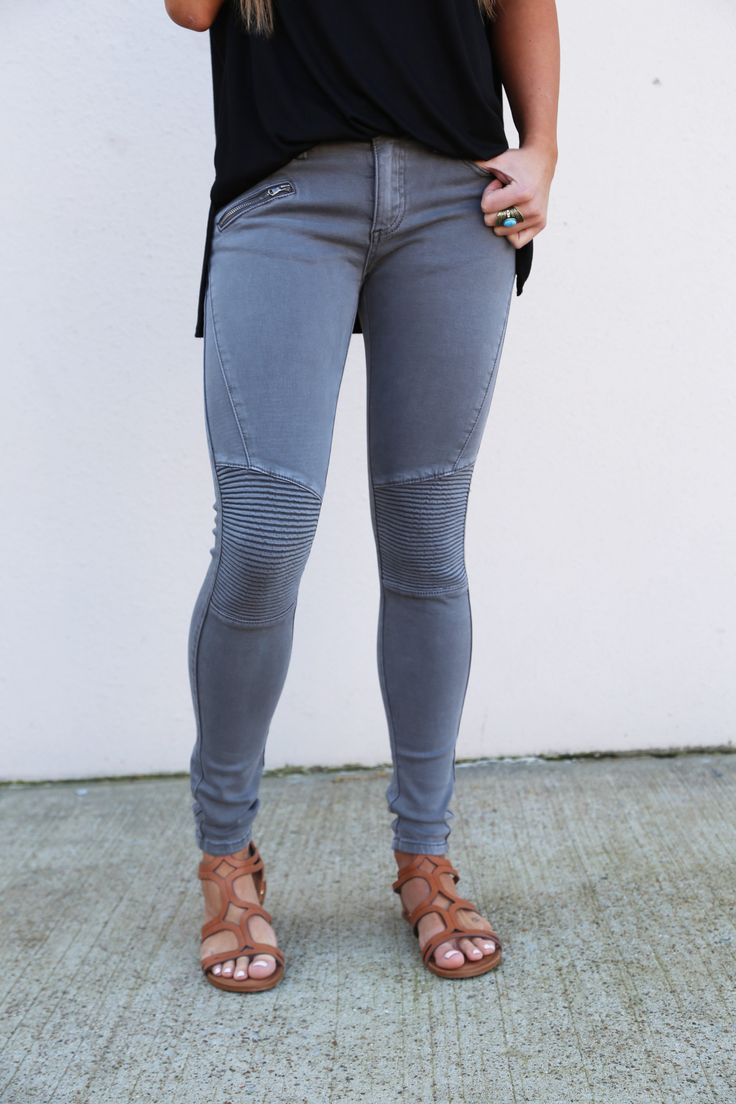 How amazing are these jeggings?! Not only are they incredibly comfortable, they're the perfect transition into these warmer days! These jeggings are available in Champagne, Charcoal, and White. Our mo
