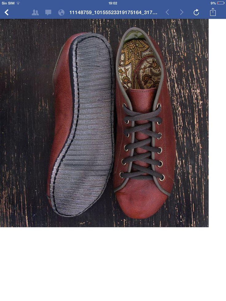 Reused leather shoes by Va.de.nuevo, Costa Rica.