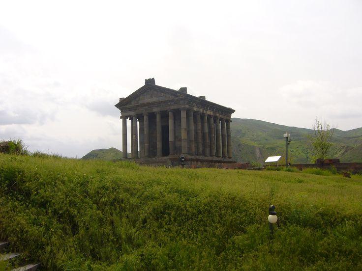 Туры в Гарни - Храм Гарни Туры в Гарни. Kомпания Armenian-Tourism предлагает, Туры в Армению в Гарни - Храм Михра. Туры на 1 день. Тур является однодневным, и в течение всего дня мы вам гарантируем полную информацию истории Гарни  Тел+7(965)088-77-55, Тел+374(55)21-11-25.