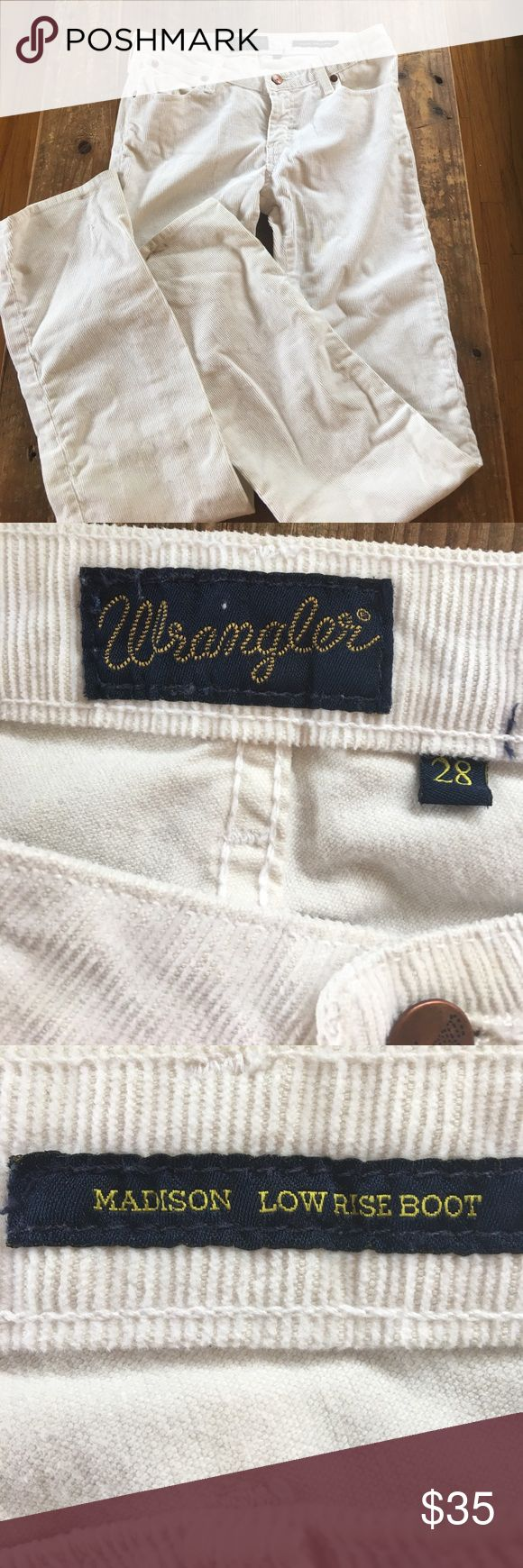 Wrangler low rise boot cut off-white.cordurouy Cute Wrangler in great condition. 3 spots that should come out in wash - as shown. Madison low rise. Wrangler Jeans Boot Cut