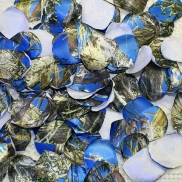 These blue camo rose petals are perfect for your camo wedding, or country wedding.  $9.95  There are 100 rose petals for your flower girl to toss, or for you to decorate with.   Other camo prints and solid colors available.