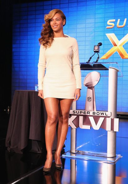 Beyonce Knowles Photos Photos - Beyonce speaks onstage at the Pepsi Super Bowl XLVII Halftime Show Press Conference at the Ernest N. Morial Convention Center on January 31, 2013 in New Orleans, Louisiana. - Pepsi Super Bowl XLVII Halftime Show Press Conference