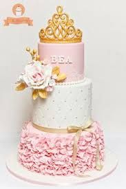 Resultado de imagen para imagenes de tortas o pasteles de princesa elegante con brillo diamante y coronas