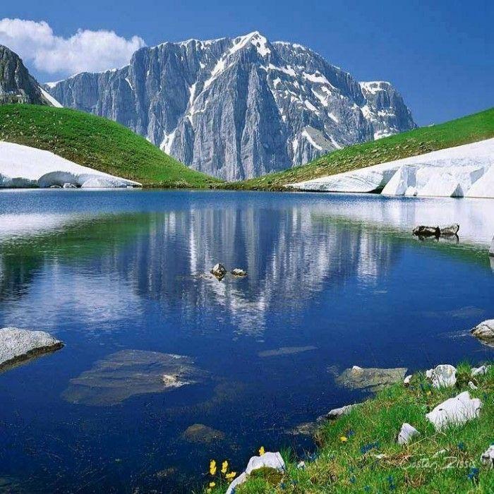 25 φανταστικά τοπία της Ελλάδας που αποδεικνύουν ότι ο χειμώνας της πάει πολύ-Δρακολίμνη Τύμφης
