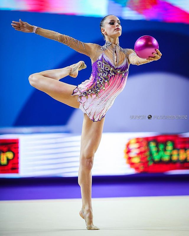 Veronica Bertolini from Italy also arrived in the olympic village ! Her style in RG is very elegant with clean and expressive execution . Forza, Veronica ! #rhythmicgymnastics #echolon2016 #veronicabertolini #italy #roadtorio2016
