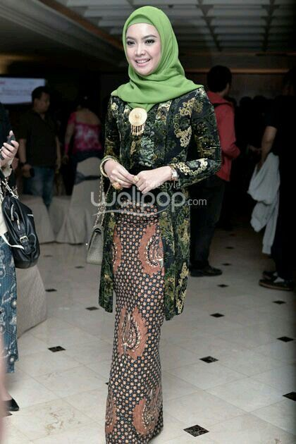green in hijab