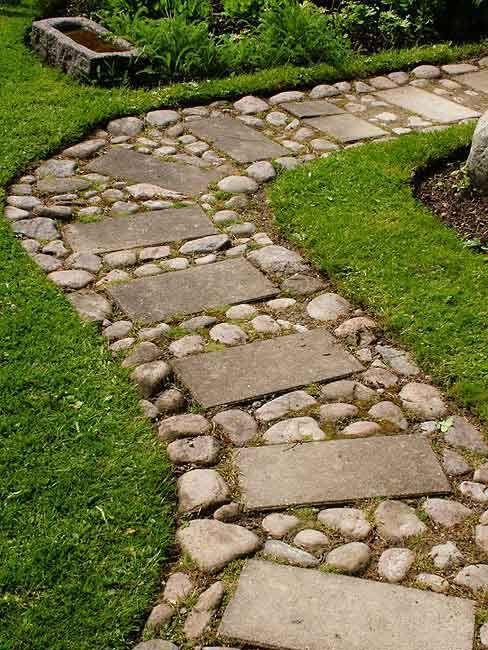 Diseño de caminos para que la energía fluya correctamente en el jardín.