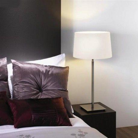 La lampe à poser Azumi s'accordera sans problème à votre décoration intérieure. Un luminaire fonctionnel et élégant.