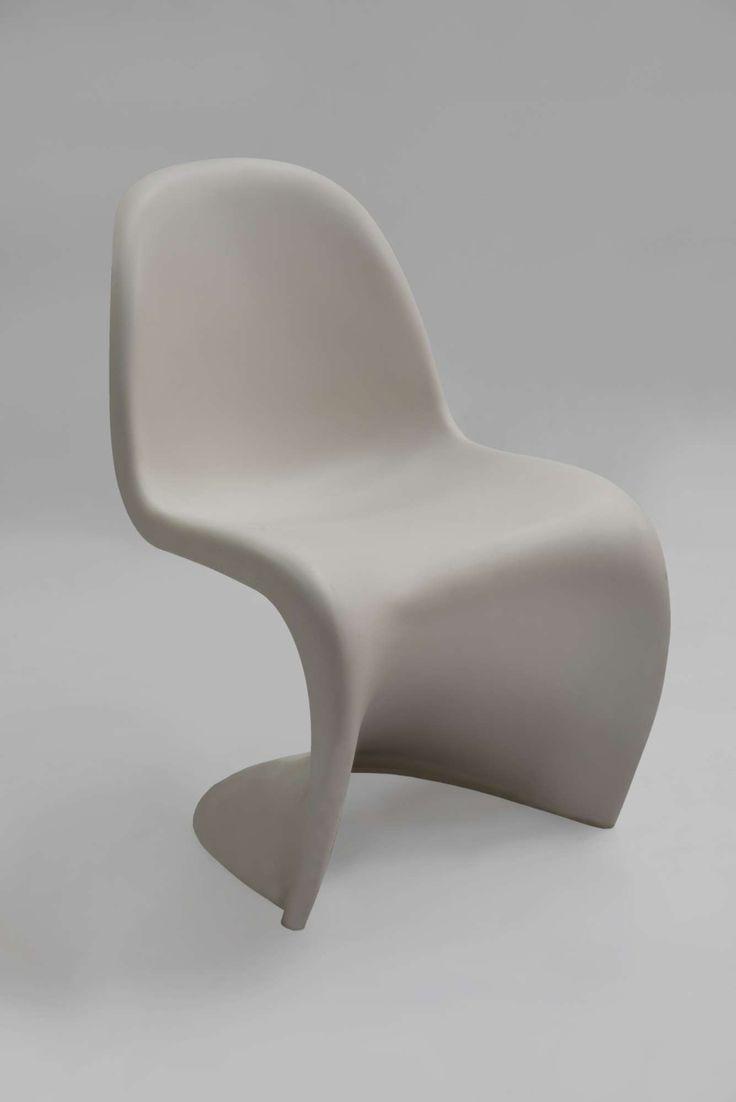 Panton S Chair by Vitra, Καρέκλα meeting από πολυπροπυλένιο, σε λευκό χρώμα.