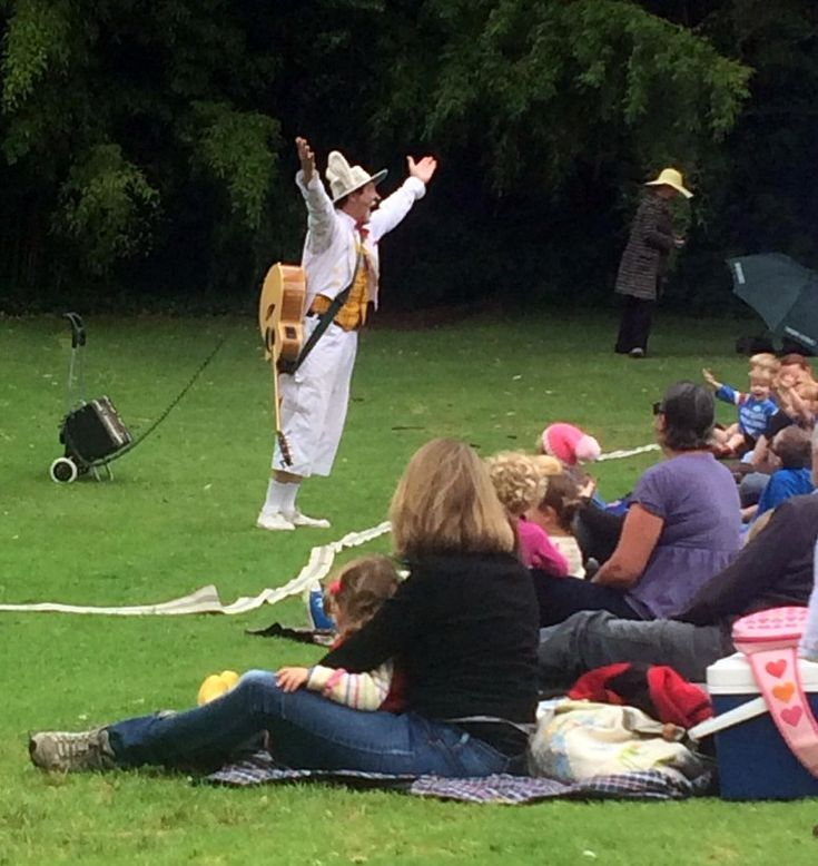 HOT: The Wind in the Willows by The Australian Shakespeare Company, Royal Botanic Gardens Melbourne, South Yarra http://tothotornot.com/2015/01/hot-wind-willows-australian-shakespeare-company-royal-botanic-gardens-melbourne-south-yarra/