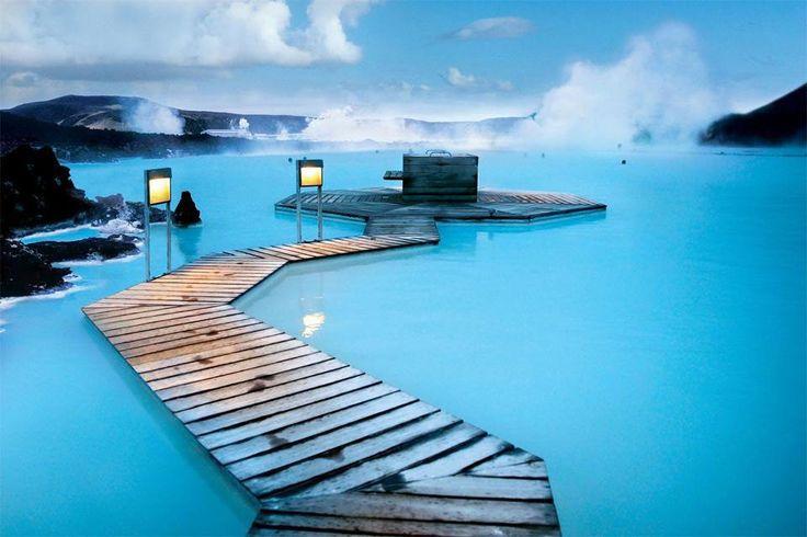 ──────────── Страна: Исландия Исландская голубая лагуна. Геотермальное озеро.  ──────────── Country: Iceland Icelandic blue lagoon. Geothermal lake.