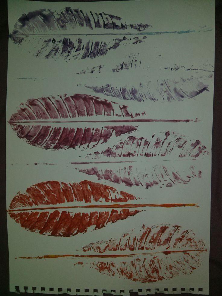 Quinta obra de la segunda tarea. Realizada con tempera y hojas.