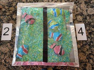 vissen in een zak met rijst en ze herverdelen naargelang de kaartjes