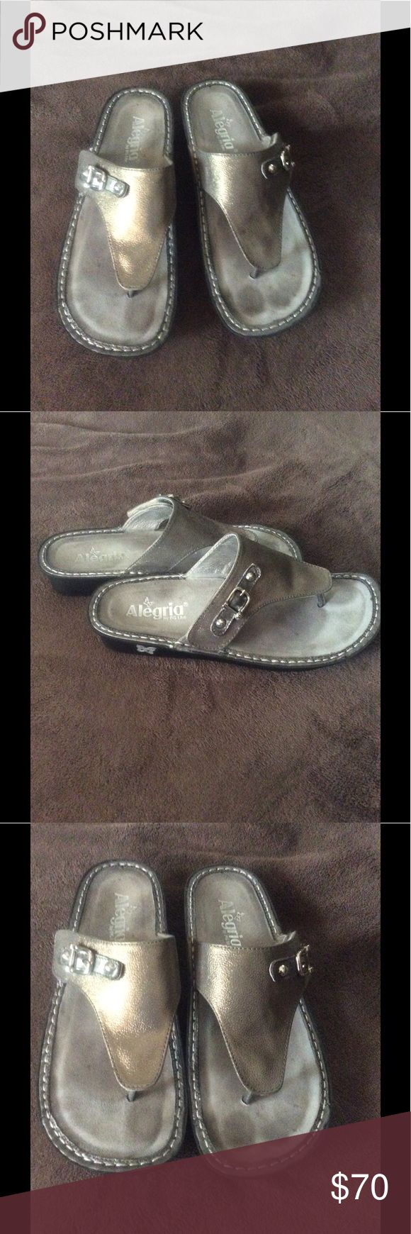 Alegria sandals in metallic pewter! These loved sandals have tons of life left! Beautiful pewter in color and so comfy! 🌸 size 40 Alegria Shoes Sandals