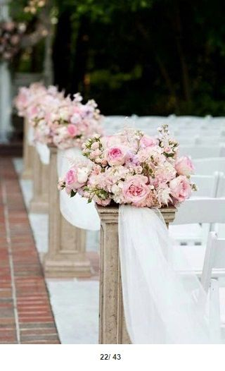 #churchdecorations #wedding #flowers #roses #delicateflowers #white #pink #tulle