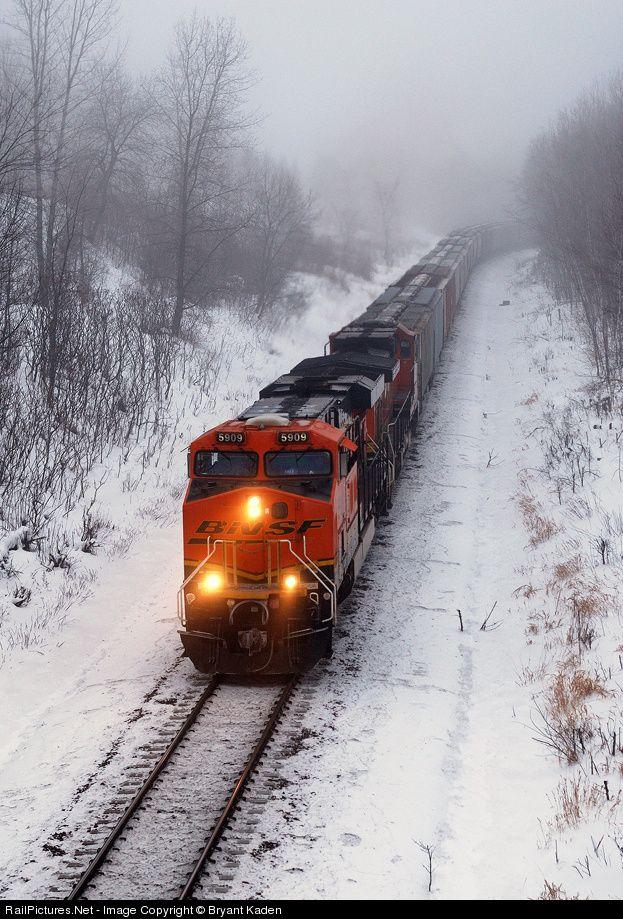 RailPictures.Net Photo: BNSF 5909 BNSF Railway GE ES44AC at Lincoln, Minnesota by Bryant Kaden | vlaky | Pinterest | Bnsf railway, Train and Locomotive