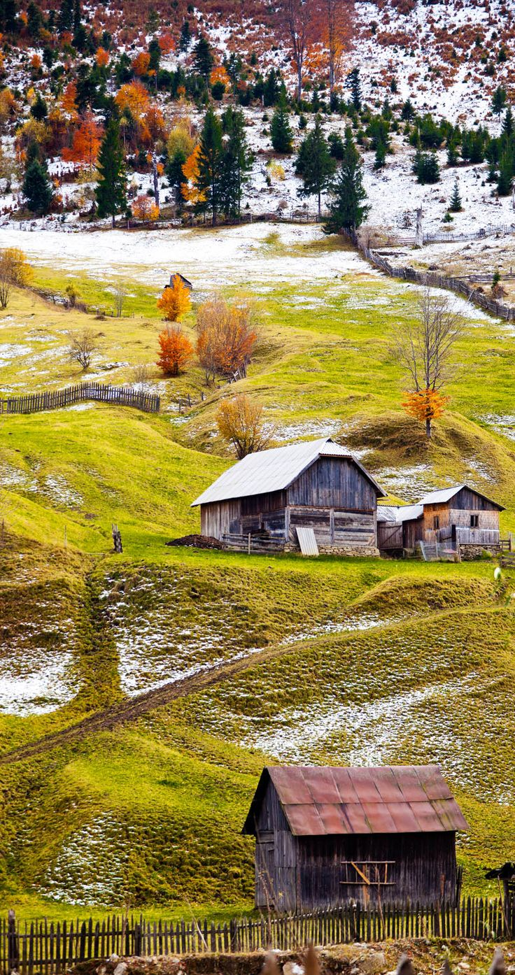 Beautiful landscape of the countryside of Romania in autumn. Maramures    |   Discover Amazing Romania through 44 Spectacular Photos
