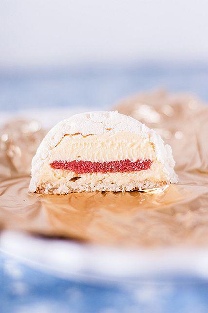 """Пирожные """"Сюрприз"""" Необычные пирожные по рецепту Пьера Эрме."""