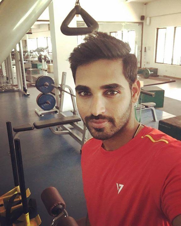 Bhuvneshwar Kumar clicks a selfie ahead of his gym session - http://ift.tt/1ZZ3e4d