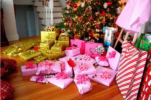 #christmas #gifts #colorful #pink #yellow #tree