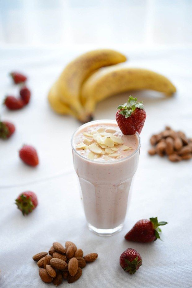 Fruit smoothies are a good idea if you're feeling hungry before a workout. Get fit in NY with healthy snacks and hydrators from your local Duane Reade.