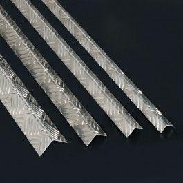 CANTONERA DE ALUMINIO GRABADA Cantonera de aluminio grabada perfecta para la creación de marcos y acabados de todo tipo.#PerfilesdeAluminio #CantoneradeAluminioGrabada #CantoneraAluminioDamero #LProfiles #AluminiumLProfile #TexturedAluminiumLProfile