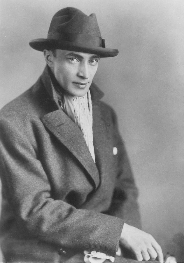 1932 | Conrad Veidt, the year before he left Germany for England & ultimately, the United States