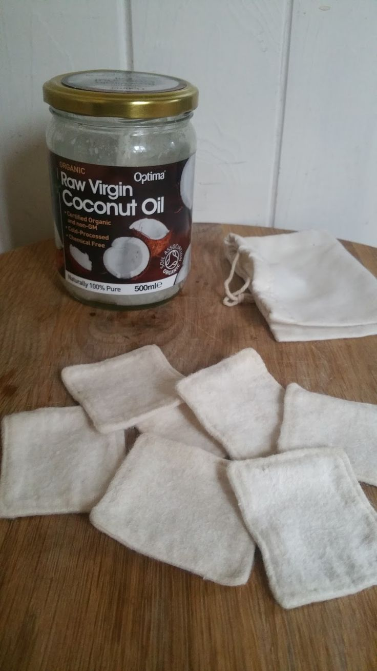 This must be one of the easiest zero waste solutions that I have come across. It's super easy and there is no preparation needed, which makes it a keeper in my books. Plus, my face smells like coconuts which is a nice bonus!