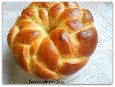 Nada como tomar um café da manha com um pão caseiro, macio e bem saboroso. Ou mesmo um lanche da tarde com uma fatia de queijo ou uma man...